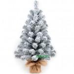 Заснеженная елка Снежинка